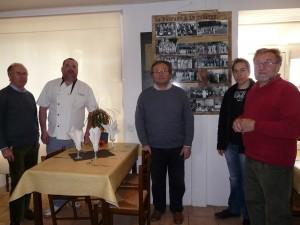 Les bénévoles avec le chef du Mont-Dolois.Manque Jean Jacque Chartier qui prenait la photo.